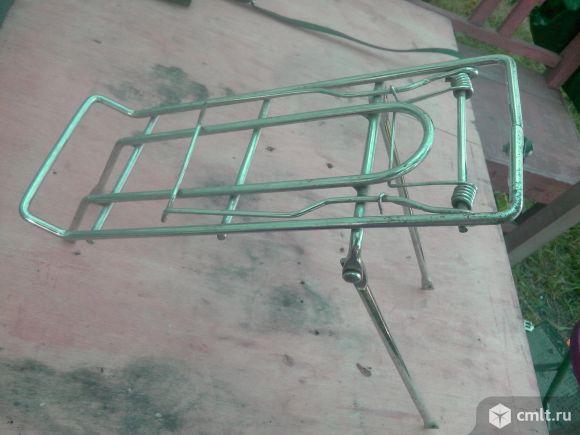 Для детского велосипеда -- багажник. Фото 1.