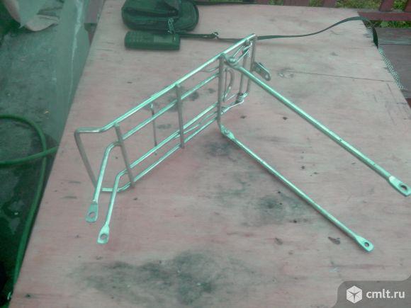 Для детского велосипеда -- багажник. Фото 2.
