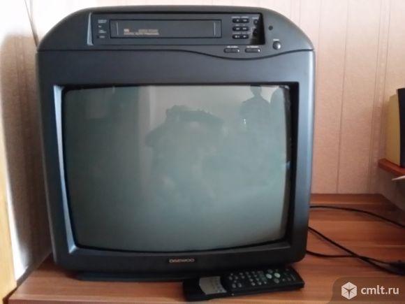 Телевизор кинескопный цв. ДЭУ. Фото 1.