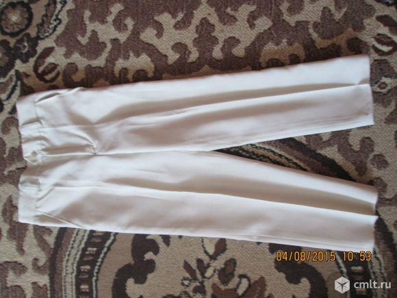 Светло серые брюки
