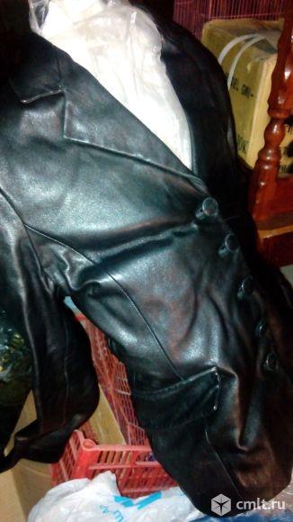 Продам пиджак кожаный, отличное состояние, качественная кожа. Торг.