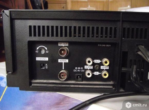 Видеомагнитофон LG w142w