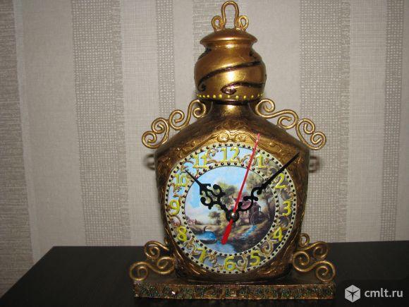 Декоративные часы на подставке