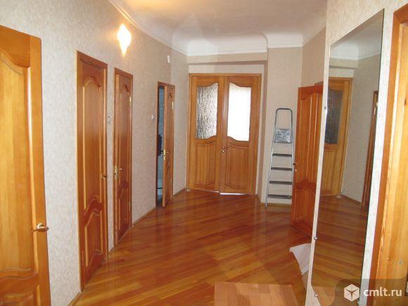 Продается крупногабаритная 4х комнатная квартира