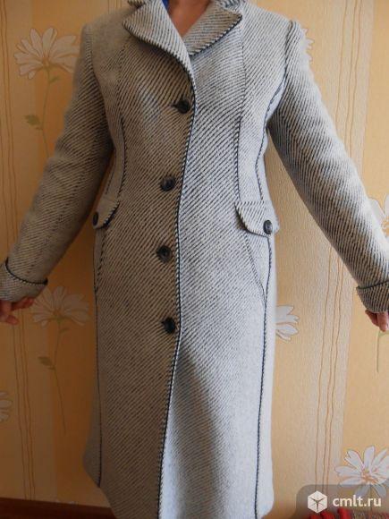 Утепленное осенне-весеннее пальто