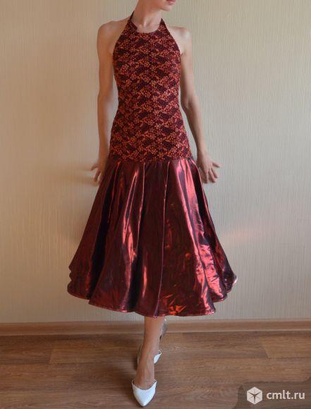 Красивое платье на выпускной и на торжественные мероприятия. Фото 1.