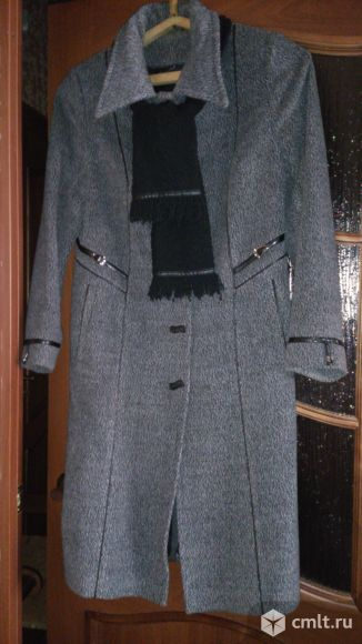 Продам весеннее, осеннее женское пальто.