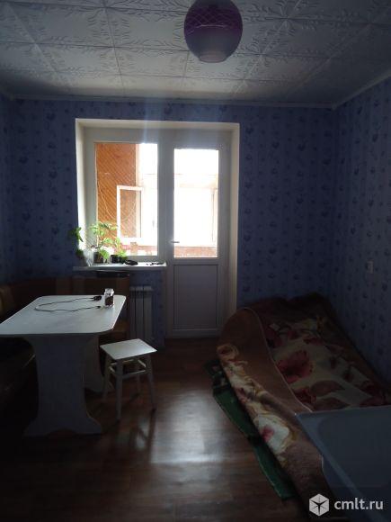 Комната 12м + балкон 3.6 м (застеклен). Фото 7.