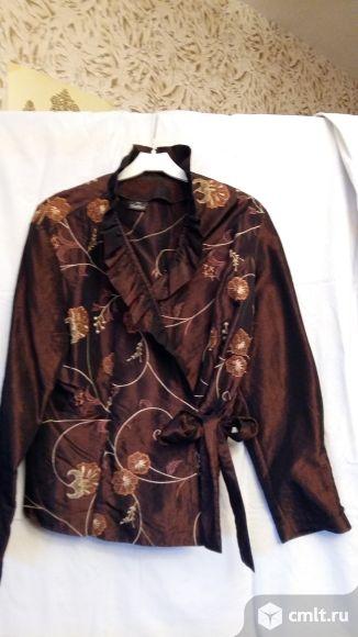 Блузка женская, парча, с поясом, р. 50, цв. коричневый, б/у