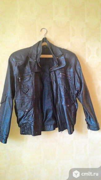 Куртка из натуральной кожи, в хорошем состоянии на молнии, 46-48размер
