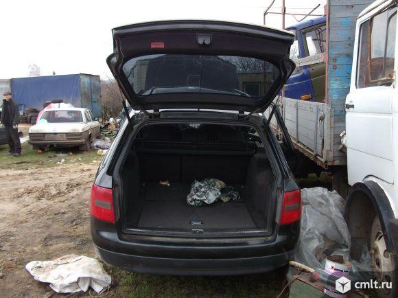 Для Audi-A4, кузов В5: двигатель 1.6, МКПП, двери, крылья. Фото 1.