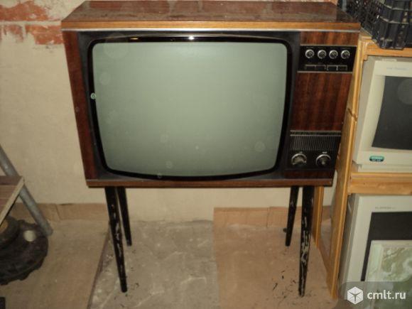Телевизор кинескопный ч/б Taurus. Фото 1.