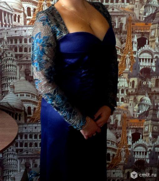 Нарядное праздничное платье. Фото 1.