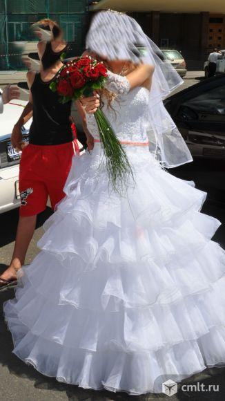 Очень красивое эксклюзивное свадебное платье. Фото 1.
