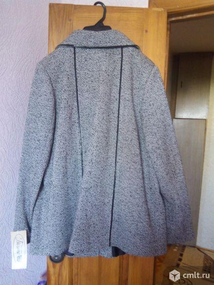 Демисезонное пальто новое. Фото 4.