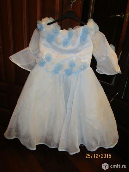 Продаю корсетное нарядное платье с пышной юбочкой. Сзади есть шнуровка. Отличное состояние. Спешите!