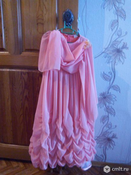 Красивое платье для праздника. Фото 1.
