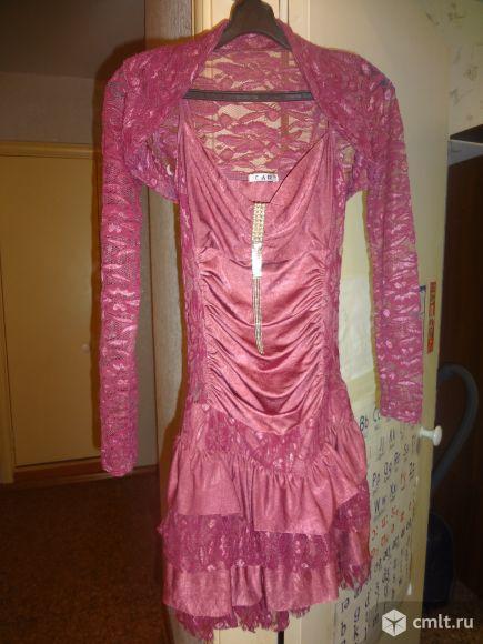 Продам красивое платье на стройную девушку. В комплекте болеро и босоножки в тон. Туфли