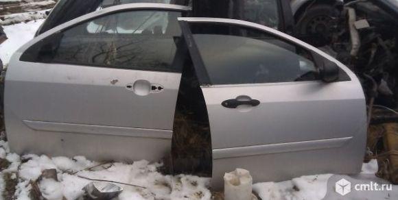 Форд фокус 1 дверь передняя левая/правая. Фото 1.