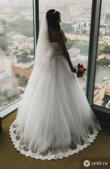 Дизайнерское свадебное платье. Фото 1.