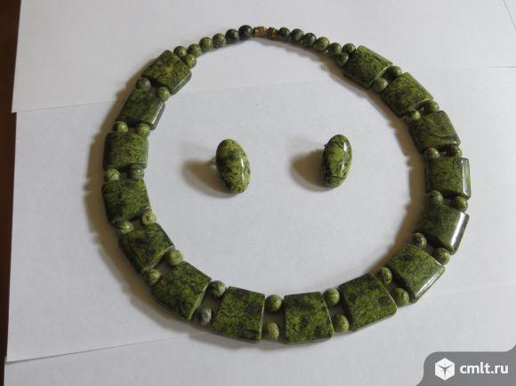 Комплект из натурального камня. Фото 1.