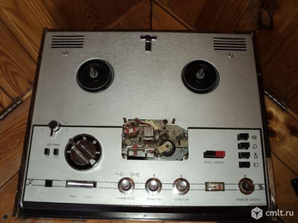 Магнитофон катушечный Астра-207. Фото 1.