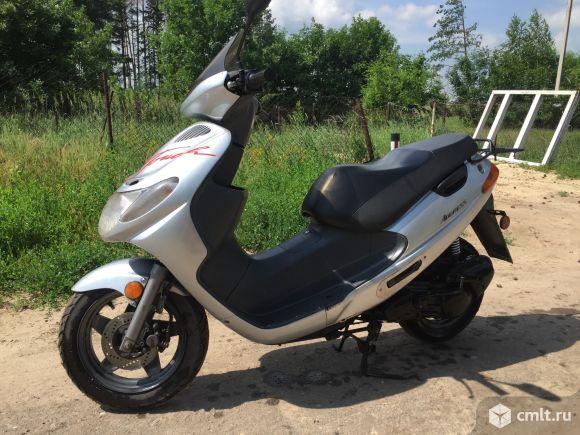 Скутер Suzuki  - 2003 г. в.