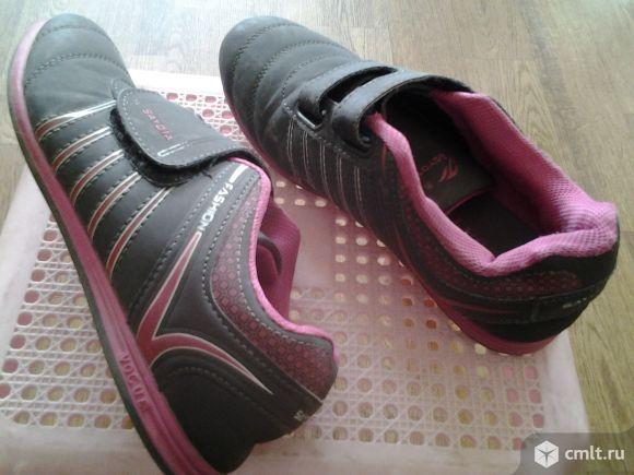 Кроссовки замшевые. Фото 3.