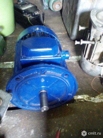 Электродвигатель.5,5,5,4,2,2 идр. Фото 1.