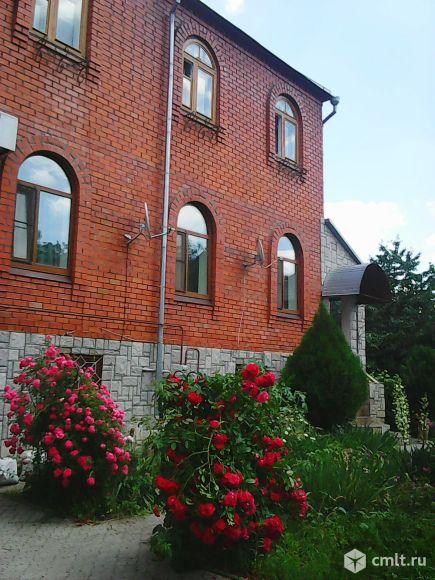 Дом 330 кв.м в тихом, зеленом центре (ул. Летчика Замкина). Фото 1.