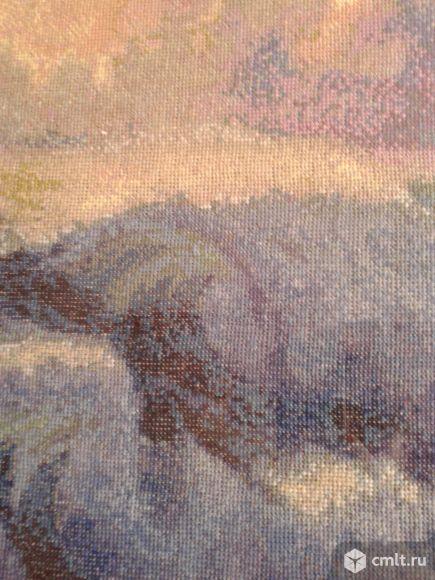 Картина вышитая крестиком в раме. Фото 4.