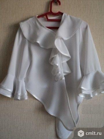 Блузка белая праздничная. Фото 5.
