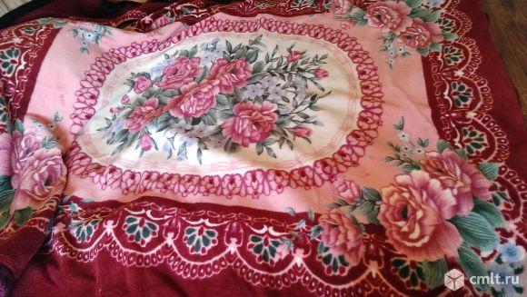Продам одеяло - плед двусторонний б\у. Очень теплое. Размер 230х190 см