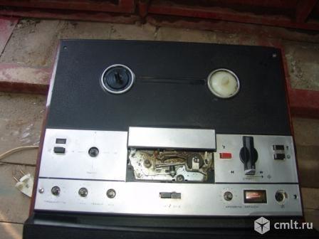 Магнитофон Маяк. Фото 1.