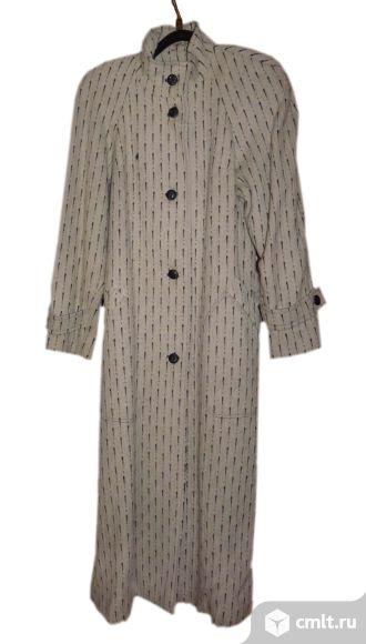 Женское шерстяное осеннее пальто 44 размера. Фото 1.
