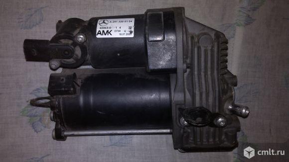 Компрессор AMK 251 320 01 04. Фото 1.