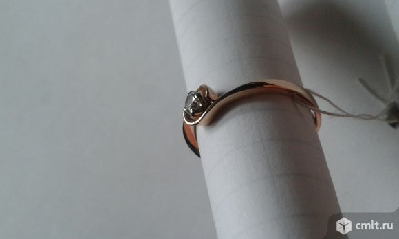 Золотое кольцо с бриллиантом. Фото 4.