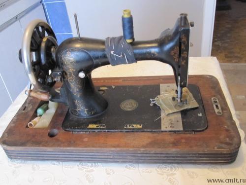 Швейная машинка Wettina Familiae. Фото 1.