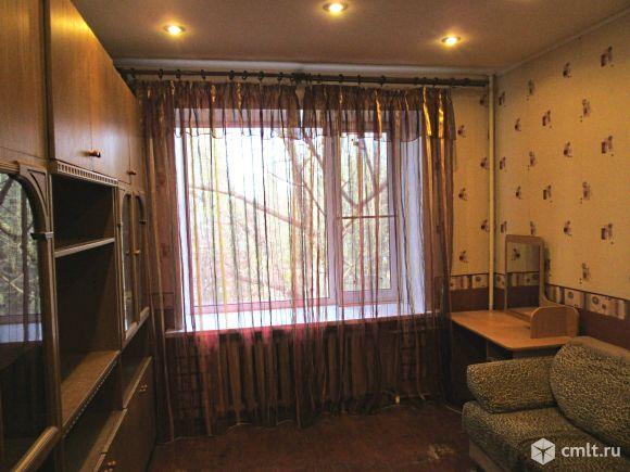 Комната(14м)+ кухня (8м) + прихожая (6м)