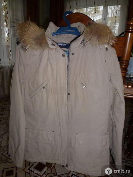 Продаю женскую куртку б/у в хорошем состоянии. Фото 1.