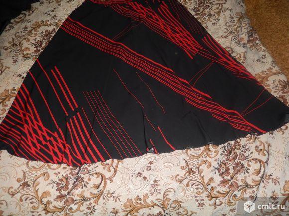 Продаётся юбка красно-чёрная.. Фото 1.