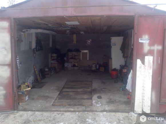 Металлический гараж.