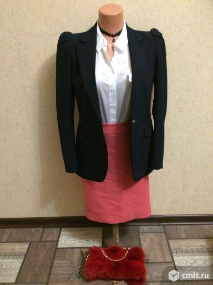 Продаю  драповую юбку светло-кораллового цвета.. Фото 3.