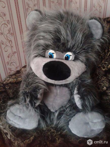 Серый плюшевый мишка. Фото 1.