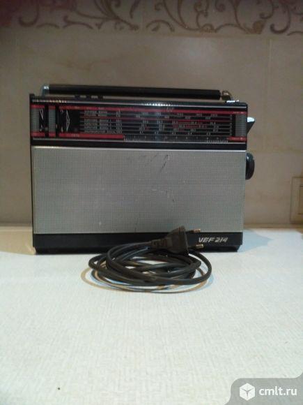 Радиоприемник VEF 214. Фото 1.