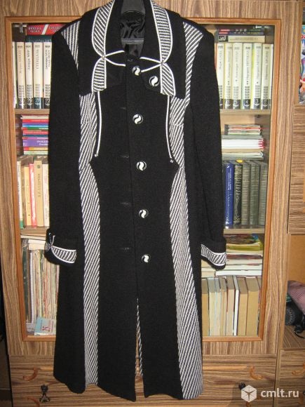 Элегантное пальто   пиджак в подарок для красивой женщины
