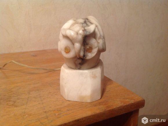 Мраморный светильник ночник в форме совы.