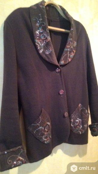 Пиджак с отделкой вышивкой воротника и рукавов