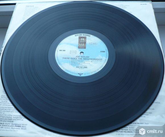"""Грампластинка (винил). Гигант [12"""" LP]. Joe Walsh. There Goes The Neighborhood. 1981. Германия.. Фото 8."""