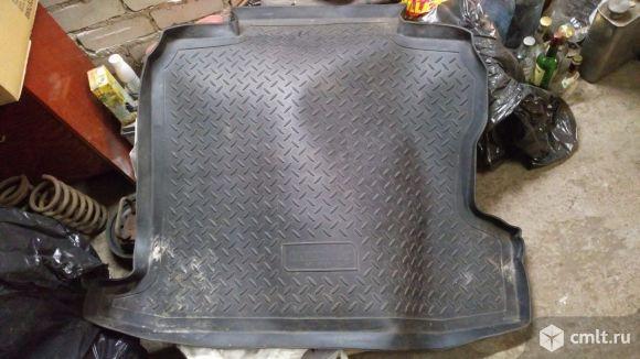Коврик в багажник на а/м Опель Астра Н седан 2012